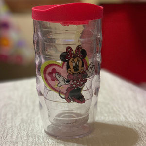 10 OZ TERVIS TUMBLE SIPPIE W/LID FEATURING MINNIE